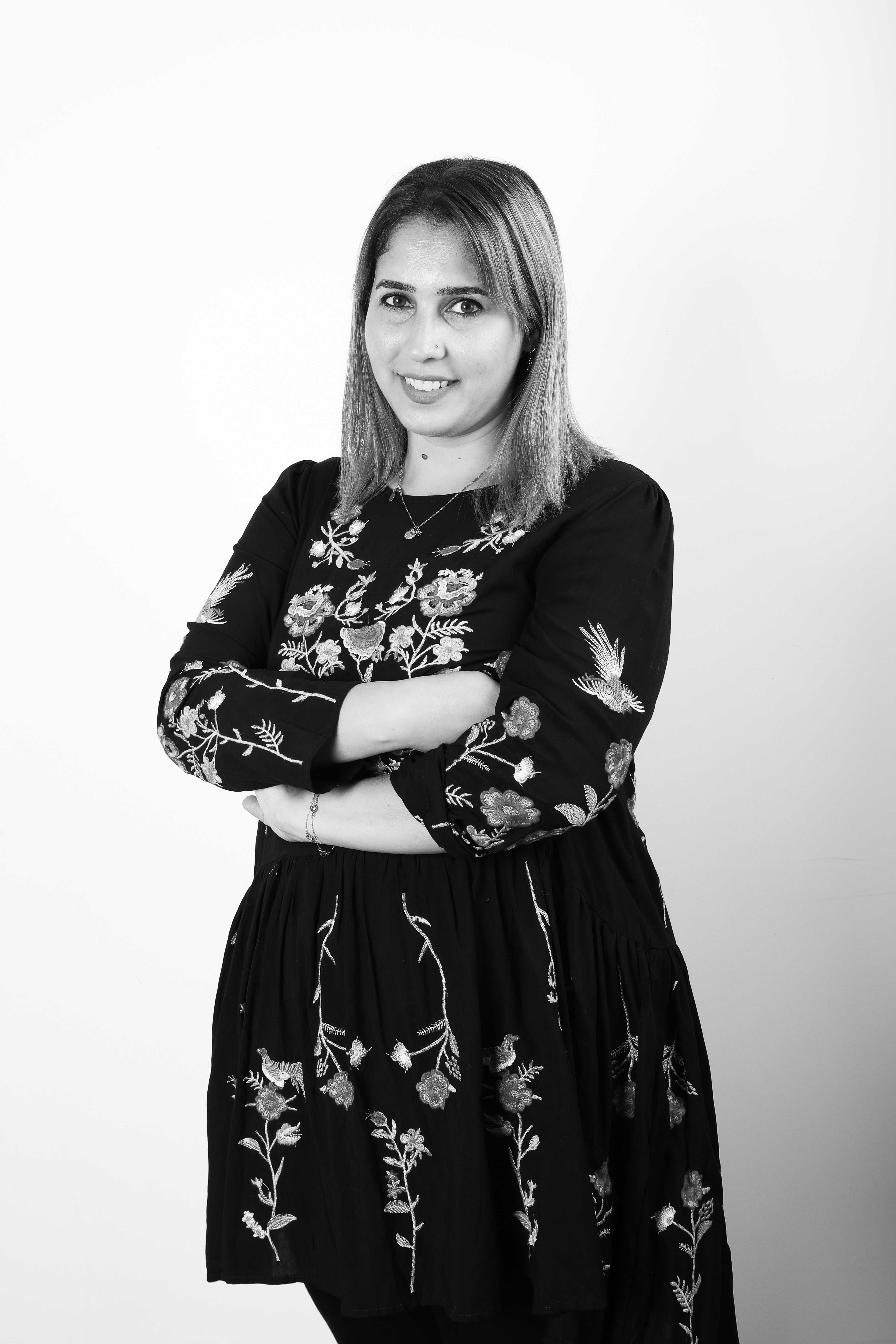 Mirna Almaz